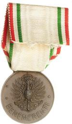 reverse:  Croce Rossa Medaglia ai benemerenti delle Croce Rossa Italiana.