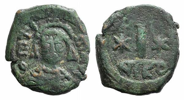 obverse: Maurice Tiberius (582-602). Æ 10 Nummi