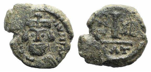obverse: Heraclius (610-641). Æ 10 Nummi