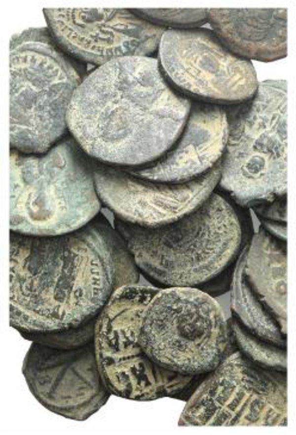 obverse: Lot of 50 Æ Byzantine coins