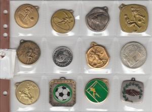 D/ Lotto 12 medagliette varie (NON SI ACCETTANO RESI)