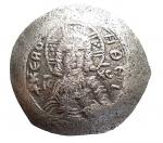 D/ Bizantini - Alessio III. Angelo-Comneno, 1195-1203 d.C. Aspron Trachy. Bi. D/ KERO HQEI / IC - XC, Busto di fronte di Cristo. R/Alessio e San Costantino in piedi, tenendo labaro. Peso gr. 2,38. BB+. Patina.