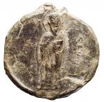 D/ Bizantini - XII Secolo. Sigillo in piombo. D/ Saint Nicholaus. R/ Legenda su 7 righe. Peso gr. 17,46. Diametro mm. 28,15. Bella patina.
