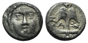 D/ Thrace, Apollonia Pontika, late 5th-4th centuries BC. AR Diobol (10mm, 1.24g, 12h). Laureate head of Apollo facing. R/ Upright anchor; A to l., crayfish to r.; H to outer l. SNG BMC Black Sea 172. Near VF