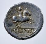 R/ Repubblica Romana. Gens Crepusia. P. Crepusius. 82 a.C. Denario. D/ Testa di Apollo verso destra. R/ Cavaliere romano che brandisce lancia verso destra. Cr.361/1.Peso 3,95 gr. Diametro 17,43 mm. SPL.