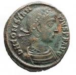 D/ Impero Romano - Costanzo II. 337-361 d.C.Ae.D/ DN CONSTAN-TIVS PF AVG Busto laureato verso destra. R/ FEL TEMP REPARATIO Imperatore con stendardo su galea. In esergo TES A. Peso 2,98 gr. Diametro 18,47 x 19,63 mm. BB+.