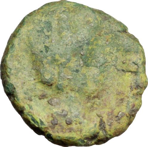 D/ Ostrogothic Italy.  AE Decanummium. Municipal bronze coinage of Ravenna, circa 536-554 AD. Obv. FELIX RAVENNA. Crowned bust of Ravenna right. Rev. Monogram of Ravenna. MEC 145-149. Ranieri 260-269. AE. g. 2.03  mm. 14.00  R. Untouched green patina. F/VF.