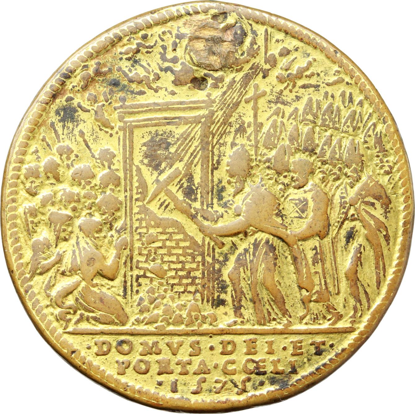 R/ Gregorio XIII (1572-1585), Ugo Boncompagni. Medaglia per l'Apertura della Porta Santa, 1575.    Mod. 710. Patr. p. 56. Armand I/227/39. AE dorato.   mm. 36.50 Inc. G. Bonzagni. R. Foro otturato. MB.
