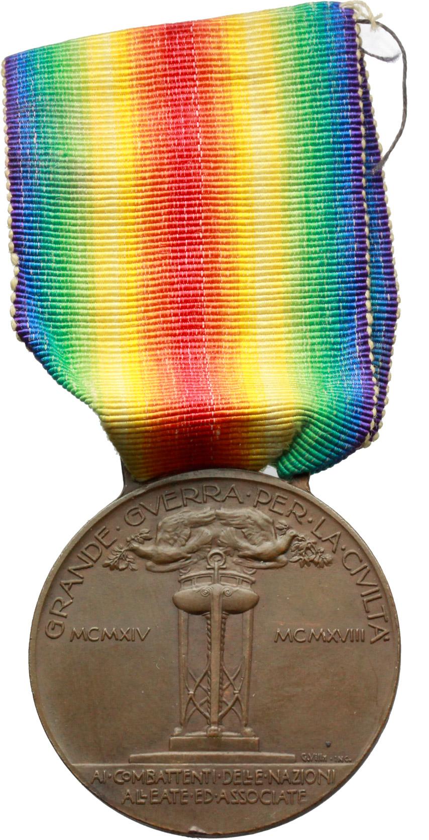 R/ Vittorio Emanuele III (1900-1943). Medaglia con nastrino ai combattenti e alle nazioni alleate ed associate. Grande Guerra per la civiltà, MCMXIV-MCMXVIII.     AE.   mm. 36.00 Inc. Ugolini-Sacchini.   SPL.