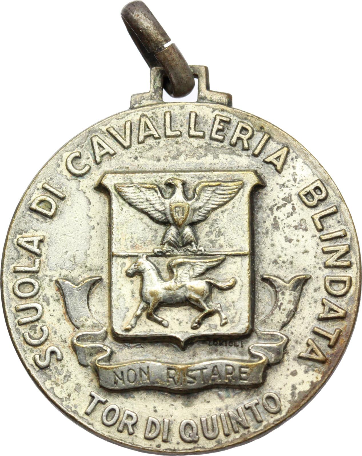 D/ Vittorio Emanuele III (1900-1943). Medaglia Scuola di Cavalleria Blindata Tor di Quinto.     MB.   mm. 35.00    Bel BB.