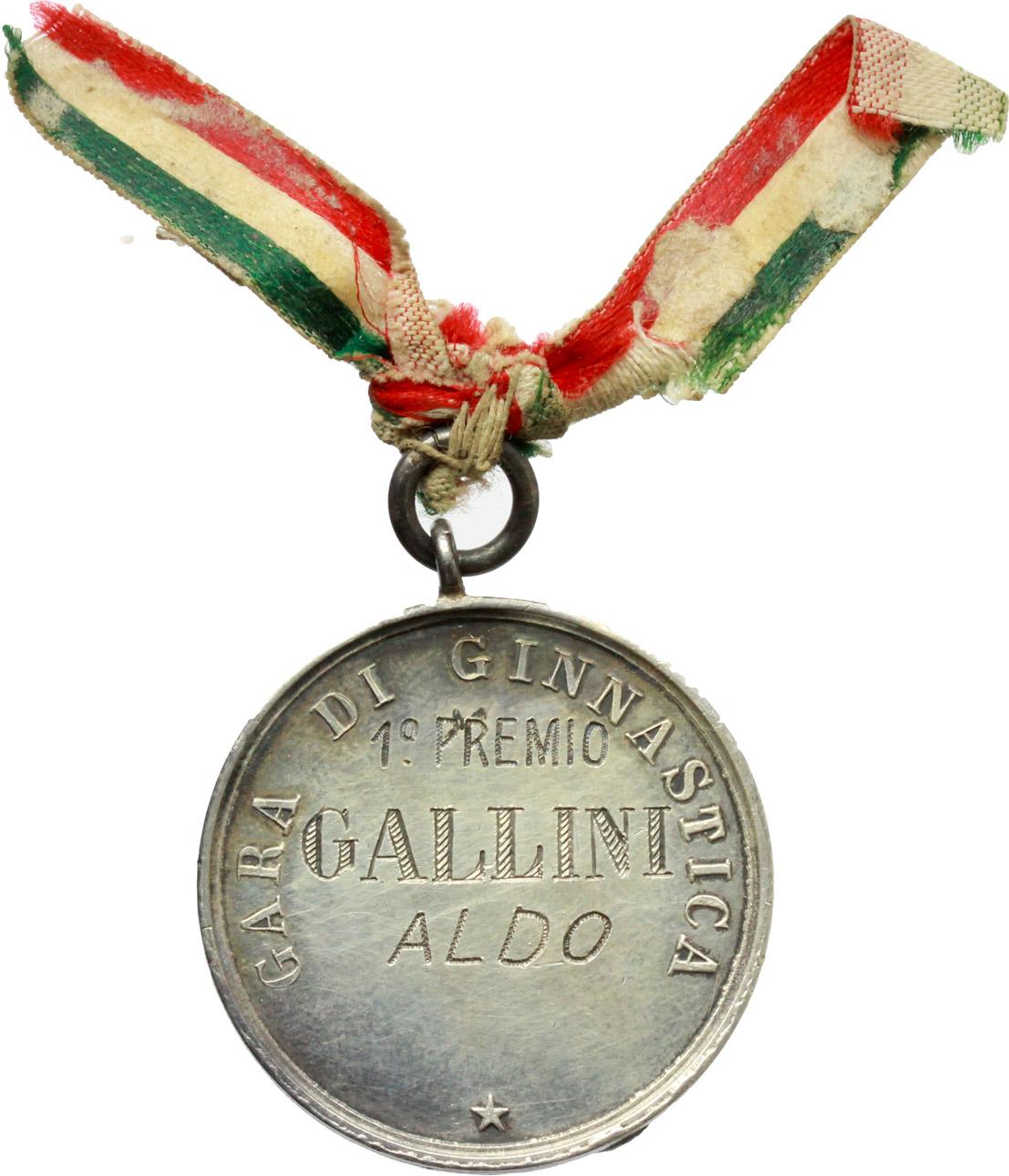 R/ Vittorio Emanuele III (1900-1943). Medaglia Regio Esercito Italiano con nastrino tricolore. Gara di ginnastica, 1° premio Gallini Aldo.     AG.   mm. 30.20    SPL.
