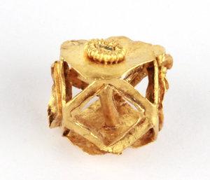 D/  Roman gold pendant bead. III-IV century AD. 13 mm. 2.8 g.