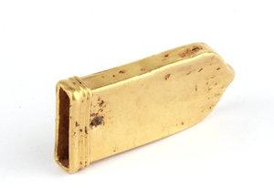 D/  Roman gold scabbard. I-V century AD. 30 x 15 x 5 cm. 5.61 g.     Au. g. 5.63