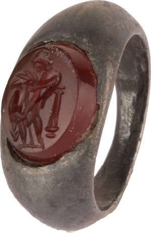 D/   Roman silver ring with engraved gem. The gem depicting Herkules with Lion.  I-II century AD. 2.5 x 2.0 cm.