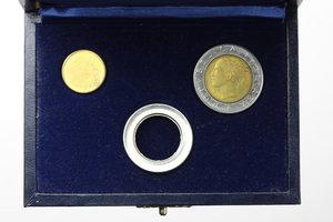 D/  500 lire 1982  in cofanetto 'Nuova SIAS' con corona circolare in acmonital e disco centrale in bronzital.     AC e BR.