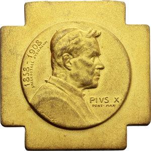 D/ Pio X (1903-1914), Giuseppe Melchiorre Sarto. Medaglia 1908 per il Giubileo Sacerdotale (32x32 mm).    Manca sui testi consultati. Metallo dorato.   Inc. R. Marschall. R.  qSPL.