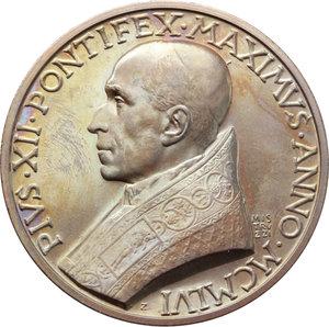 D/ Pio XII (1938-1959), Eugenio Pacelli. Medaglia 1956.    Cus.-Mod. 242. De Luca 240. AE.   mm. 44.00 Inc. Aurelio Mistruzzi.  In scatoletta originale. FDC.