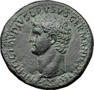 D/ Nero Claudius Drusus, brother of Tiberius, father of Germanicus and Claudius (died 9 AD).  AE Sestertius, struck under Claudius, 41-50 AD. Obv. NERO CLAVDIVS DRVSVS GERMANICVS IMP. Nero Claudius Drusus head, bare, left. Rev. TI CLAVDIVS CAESAR AVG PM TR P IMP SC (in exergue). Claudius, bare-headed and togate, seated left on curule chair, right holding out branch; miscellaneous weapons and armour lying around. RIC (Claud.) 93. AE. g. 26.04  mm. 35.80   Nice dark green patina. EF.