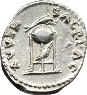 R/ Vitellius (69 AD).  AR Denarius. Obv. A VITELLIVS GERM IMP AVG TR P. Laureate head right. Rev. XV VIR SACR FAC. Tripod-lebes, dolphin right above, raven right below. RIC 109. AR. g. 3.03  mm. 19.00  Scarce. Great metal. A superb example, well centred, brilliant and lightly toned. EF.