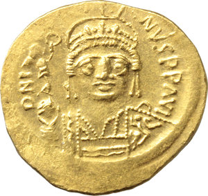 D/ Justin II (565-578).  AV Solidus, Constantinople mint. Obv. DN IVSTINVS PP AVI. Helmeted and cuirassed bust facing, beardless, holding globe surmounted by Victory and shield. Rev. VICTORIA AVGGG Є. Constantinopolis seated facing, head right, holding spear and globus cruciger; in exergue, CONOB. D.O. 4. Sear 345. AV. g. 4.47  mm. 20.00   Superb. Underlying luster. EF.