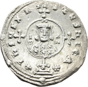 D/ John I Tzimisces (969-976).  AR Miliaresion, Constantinople mint. Obv. Cross crosslet on globus above two steps; at centre, circular medallion containing facing bust of John, wearing crown and loros. Rev. IωANN/EN Xω AVTO/CRAT EVSEB/BASIΛEVS/RωMAIω in five lines. D.O. 7. R. 1919. Sear 1792. AR. g. 2.49  mm. 21.50   A very attractive example, brilliant and superb. EF.