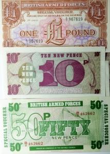 D/ Cartamoneta. British Armed Forces. Lotto di 5 pezzi tutti in ottima conservazione.s.v.