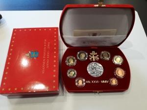D/ Vaticano. folder EURO del 2004 con 08 monete + medaglia. PROOF - Fondo Specchio. NC.