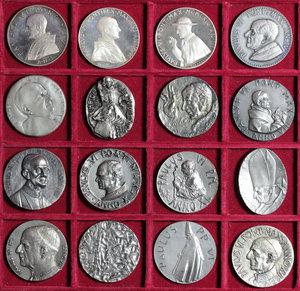 SANTA SEDE. Paolo VI (1963-78) 16 Medaglie annuali (Anni I-XVI). Giro completo delle medaglie annuali in argento di Papa Paolo VI. Ar. (16 p.zi) FDC