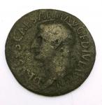 obverse: Impero Romano. Druso, figlio di Tiberio (deceduto nel 23 d.C.). Asse, restituito da Tito. AE. D/ DRVSVS CAESAR TI AVG F DIVI AVG N. Testa nuda a sinistra. R/ PONTIF TRIBVN POTEST ITER intorno a grande SC. RIC 45. Peso 9,92 gr. Diametro 28,73 mm. qBB. R. °°