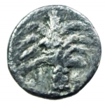 reverse: Mondo Greco. Cartaginesi in Sicilia. ca 320-300 a.C. Obolo. Ag. D\ Palma con datteri. R\ Protome equina. SNG lloyd 1612. Peso 0,60 gr. Buon BB.§