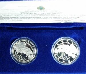 obverse: San Marino. 2001 Dittico 5.000 e 10.000. Ag.