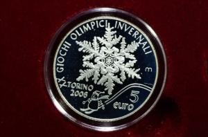 obverse: San Marino. 5 euro 2006. Olimpiadi Invernali di Torino. Confezione zecca. Proof. FS.