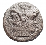 D/ Repubblica Romana -213-212 a.C.Quadrigato. Ag.D/ Testa laureata di Giano.R/ Giove in quadriga a destra. Sotto, ROMA.Cr. 28/3.Pesogr. 4,96. Diametro mm. 18,5. MB-BB.