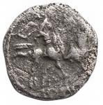 R/ Repubblica Romana -Serie anonima.ca. 208 a.C.Sesterzio.Ag.D/ Testa di Roma a destra.R/ I Dioscuri al galoppo a destra.Cr. 44/7.Pesogr. 0,79.Diametromm 10,49.MB-qBB.