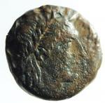 D/ Mondo Greco. Apulia. Salapia. ca. 225-210 a.C. AE. D/ Testa di Apollo a destra. Davanti ΣAΛAΠINΩN. R/ Cavallo a destra. Sopra un tridente. Sotto ΠYΛΛOY. HN (Italy) 692. Peso gr. 6,10. BB.