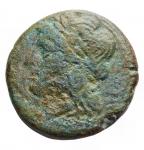 D/ Varie -Campania. III° sec a.C. Litra. Ae da identificare. D/ Testa di Apollo a sinistra.R/ Toro androcefalo a destra. Peso gr. 4.44. Patina verde.