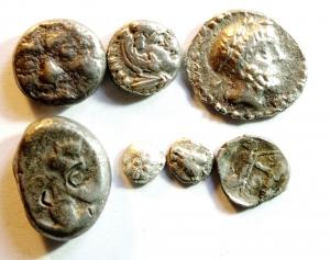 D/ Lotti. Mondo Greco. Grecia Continentale e Vicino Oriente. Lotto di 6 monete in argento. Gruppo eterogeneo molto interessante, mediamente qBB\BB. w
