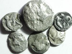 D/ Lotti. Magna Grecia. Lotto di 5 oboli e un nomos Tarentum e Neapolis. Mediamente MB. §