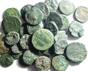 D/ Lotti. Mondo Greco e Romano. Lotto di 30 monete da studio, non vagliato possibili rarità.