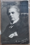D/ Autografi - Mascagni, Pietro. 1863-1945. – Autografo su cartolina. Signed photograph.