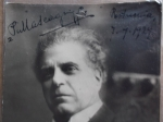 R/ Autografi - Mascagni, Pietro. 1863-1945. – Autografo su cartolina. Signed photograph.