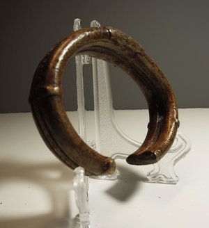 D/ Nigeria. Enugu region. Bronze Manilla bracelet used as currency. 228 gr. - 7x9x2 cm