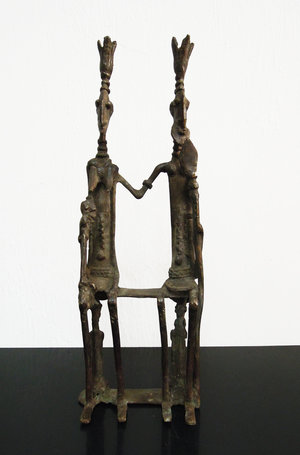 D/ Mali. Dogon people. 1950. Bronze statue of Dogon King&Queen enthroned with sceptres. 938 gr. - 30x10x5 cm