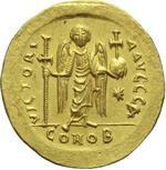 reverse:  Giustiniano I (527-565). Solido, Costantinopoli.