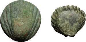 Aes Premonetale.  AE Cockle-shell, lot of two examples, 5th-4th century BC.   Cf. G. Fallani, Numismatics witness, to history, IAPN Publication 8, 1986, pl. 6,2-2c. AE.     g. 12,88, mm. 25; g. 6,23, mm. 21. Nice green patina