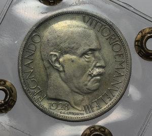 obverse: Regno di Italia. Vittorio Emanuele III (1900-1943). 2 lire 1928  Fiera di Milano .    Mont. 09. Metallo dorato (senza doratura).      BB. Perizia Bazzoni.