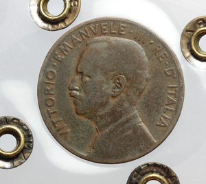 obverse: Regno di Italia. Vittorio Emanuele III (1900-1943). 5 centesimi 1913, senza punto.    Pag. 895. CU.    RR. Perizia Ranieri ( MB) MB.
