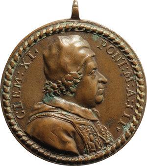 D/ Clemente XI (1700-1721), Giovanni Francesco Albani. Medaglia A. III.    Miselli 39. AE.   mm. 35.75   Con appiccagnolo Bel BB.