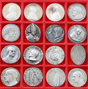 D/ Paolo VI (1963-1978). Serie completa medaglie annuali, A. I- XVI in argento.     AG.      FDC.