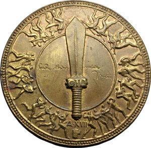 obverse: Benito Mussolini (1883-1945), Duce d Italia. Spilla GIL A.XVII.    Cas.XVI/6. AE.   mm. 38.00 Inc. G.Castiglioni. R.  BB+.